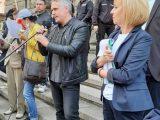 Шуменци на протеста на Мая Манолова: Вместо за водата на Шумен, управляващите дават 3 милиона за стадион!